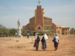 Christen werden Dorf für Dorf im nördlichen Burkina Faso angegriffen, vertrieben und getötet