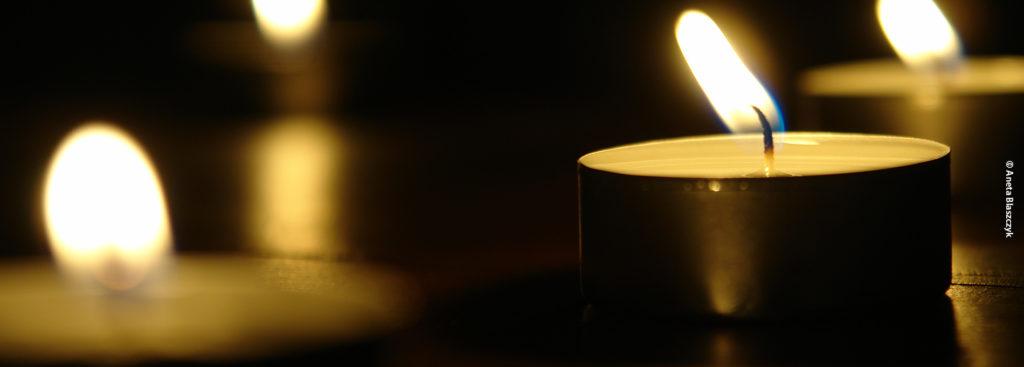 Zünden Sie eine Kerze für Ihre Anliegen