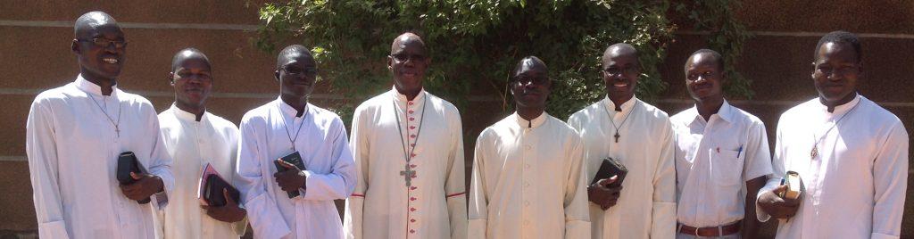 Burkina Faso: Ausbildungshilfe für 61 Seminaristen im vom islamistischen Terror betroffenen Norden