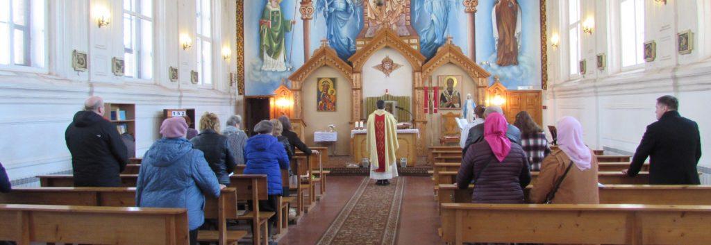 Messtipendien für die 114 Priester der Erzdiözese der Muttergottes