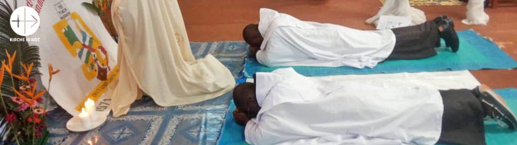 Kamerun: Ausbildungshilfe für 38 junge Karmeliten